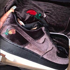 Nike Air Force 1 Velvet Rose